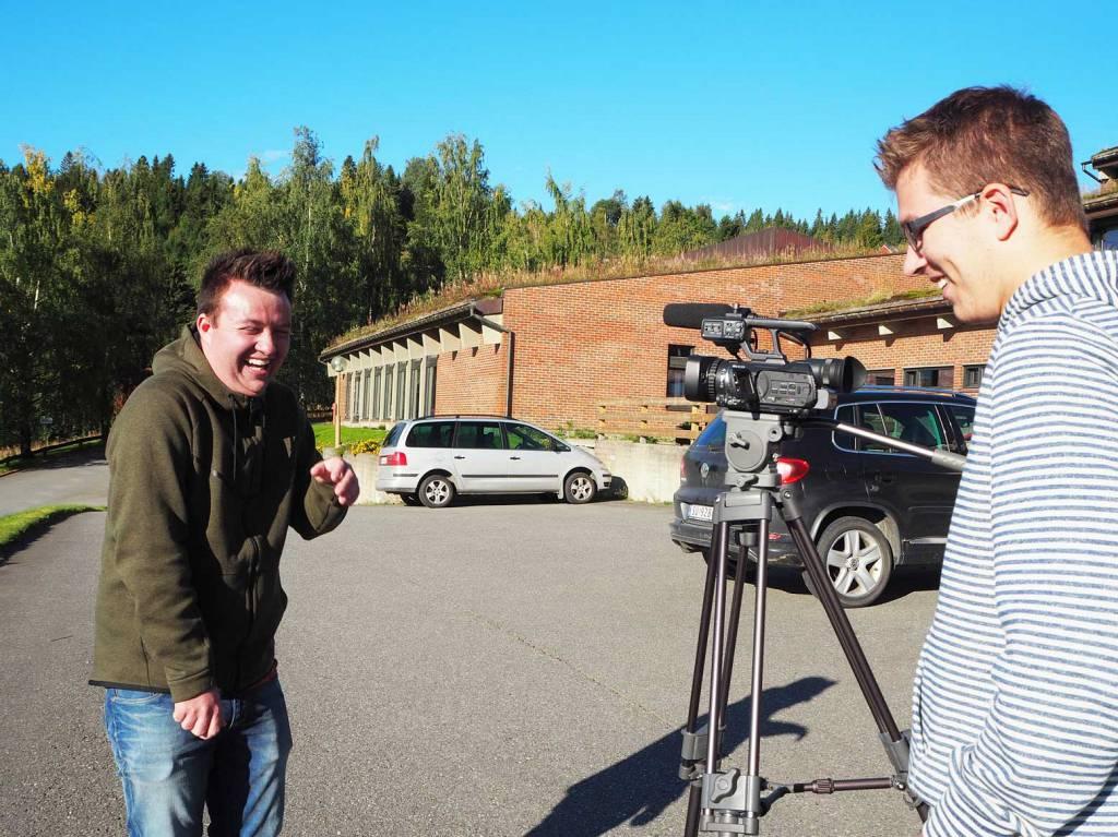 Elever på Peder Morset Folkehøgskole som filmer.