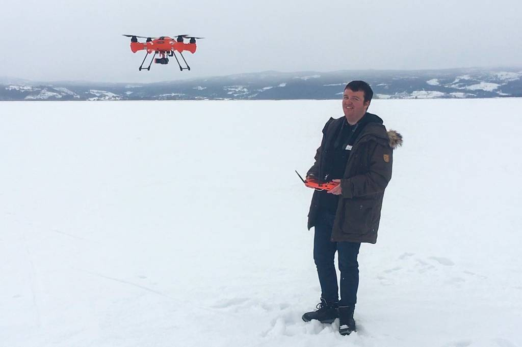Flyving av drone på folkehøgskolelinja Drone og Kamera.