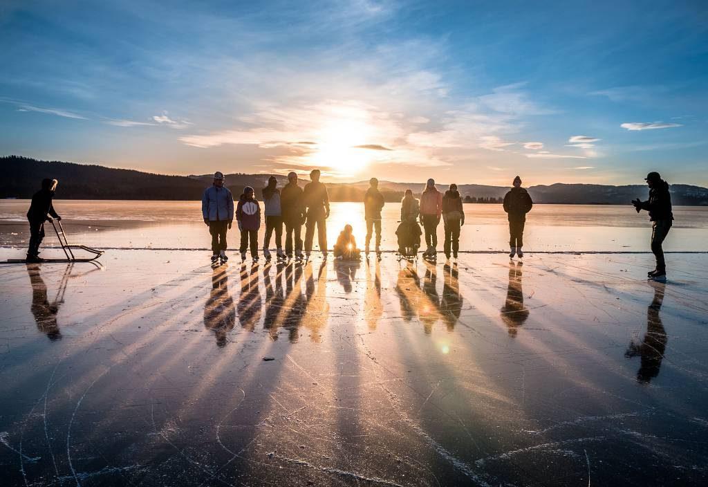 Elever på Peder Morset Folkehøgskole på Selbusjøen.